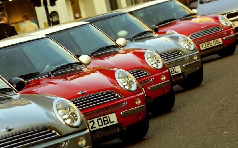 new-mini-cooper-car-is-unveiled-in-london-1326280-5b3230da3cb8d